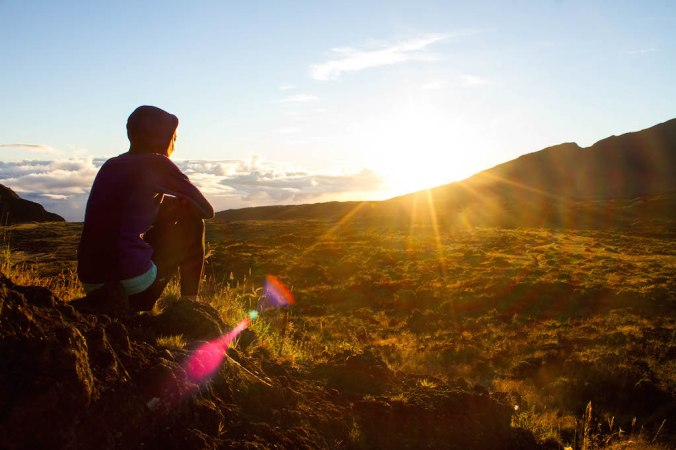 haleakala-crater-sunrise-holua